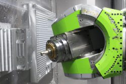 In combination, the horizontal machining centre, the 3-axis milling head and the SPM-Rough ISO shoulder milling cutter achieved the best results. © 2018 MAPAL Dr. Kress KG