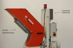 Metal detector ELCON from Sesotec installed below the material chute of the Xtra granulator from Wanner. © Sesotec GmbH